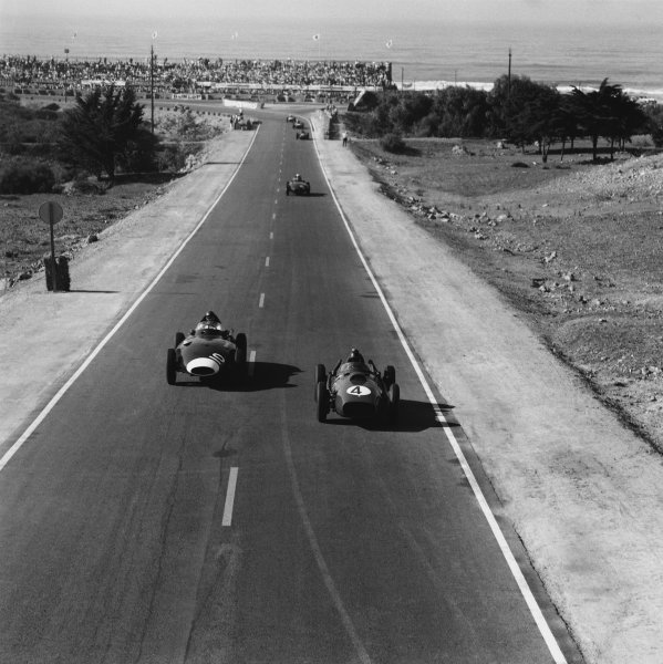 Ain-Diab, Casablanca, Morocco. 17th - 19th October 1958.Phil Hill (BRM 25), 3rd position leads Tony Brooks (Vanwall VW10), retired, action. World Copyright: LAT Photographic.Ref:  2561
