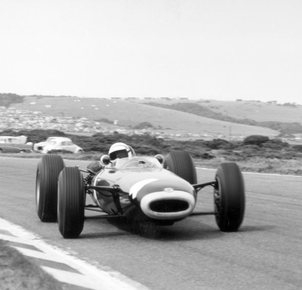 1965 South African Grand Prix.East London, South Africa.30/12/64-1/1/1965.Jackie Stewart (BRM P261) 6th position, action.Ref-28025World Copyright - LAT Photographic