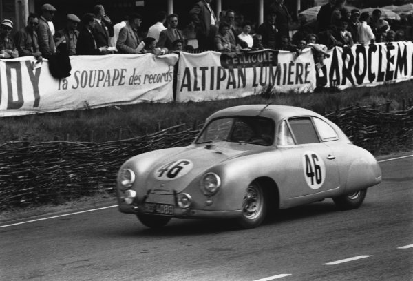 Le Mans, France. 13th - 14th June 1953 Gustave Olivier/EugŽne Martin (Porsche 356), retired, action. World Copyright: LAT Photographic Ref: 53 - 54 - 12A.