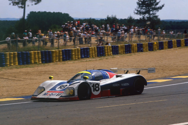 Le Mans, France. 10th - 11th June 1989. Brian Redman/Costas Los/Michael Roe (Aston Martin AMR1), 11th position, action.  World Copyright: LAT Photographic Ref: 89LM06.