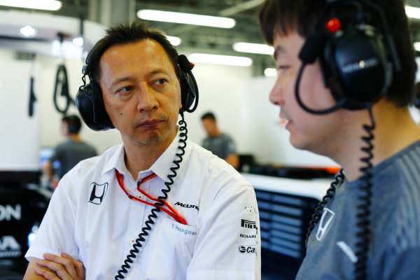 Baku City Circuit, Baku, Azerbaijan. Friday 23 June 2017. Yusuke Hasegawa, Senior Managing Officer, Honda, talks to a colleague. World Copyright: Steven Tee/LAT Images ref: Digital Image _R3I1995