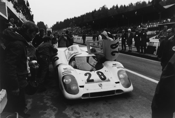 1970 Spa Francorchamps 1000 kms. Spa Francorchamps, Belgium. 17th May 1970. Rd 6. Vic Elford/Kurt Ahrens, Jr. (Porsche 917K), 3rd position, pit stop and driver change, action.  World Copyright: LAT Photographic. Ref: L70 - 453 - 31A.