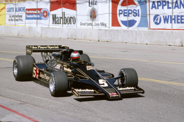1978 United States Grand Prix West. Long Beach, California, USA. 31/3-2/4 1978. Mario Andretti (Lotus 78 Ford) 2nd position.Ref-78 LB 08. World Copyright - LAT Photographic