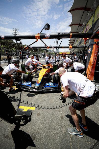 McLaren pitstop practice with the McLaren MCL35M