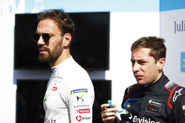 Jean-Eric Vergne (FRA), DS Techeetah, DS E-Tense FE20, with Robin Frijns (NLD), Envision Virgin Racing, Audi e-tron FE06