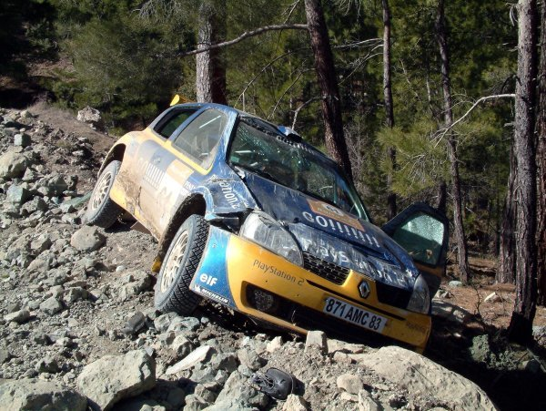 Brice Tirabassi (FRA) with co-driver Jacques-Julien Renucci (FRA) Renault Clio Super 1600 crash out of the rally.World Rally Championship, Rally of Turkey Day One, Kemer, Turkey, 27 February 2003.DIGITAL IMAGE