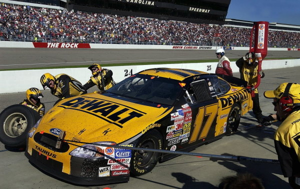 Matt Kenseth (USA), Smirnoff Ice/DeWalt Ford Taurus, clinched the NASCAR Winston Cup Series title with a 4th place finish at Rockingham.