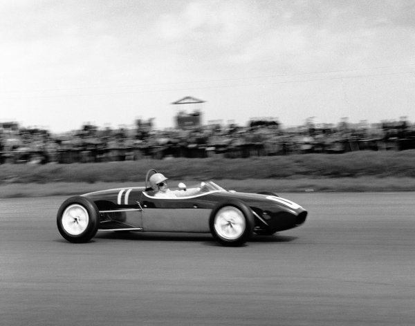 1960 International Trophy. Silverstone, England. 14th May 1960. Alan Stacey (Lotus 18 - Climax), 4th position, action.  World Copyright: LAT Photographic. Ref: 6328.