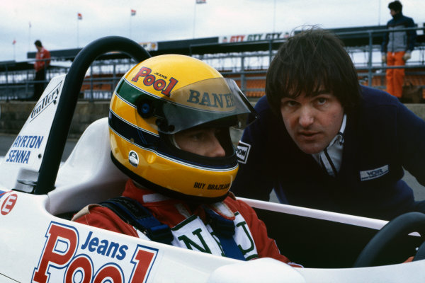 Silverstone, England.Ayrton Senna (Ralt RT3-Toyota), 1st position, talks with team manager Dick Bennetts, portrait.World Copyright: LAT Photographic.