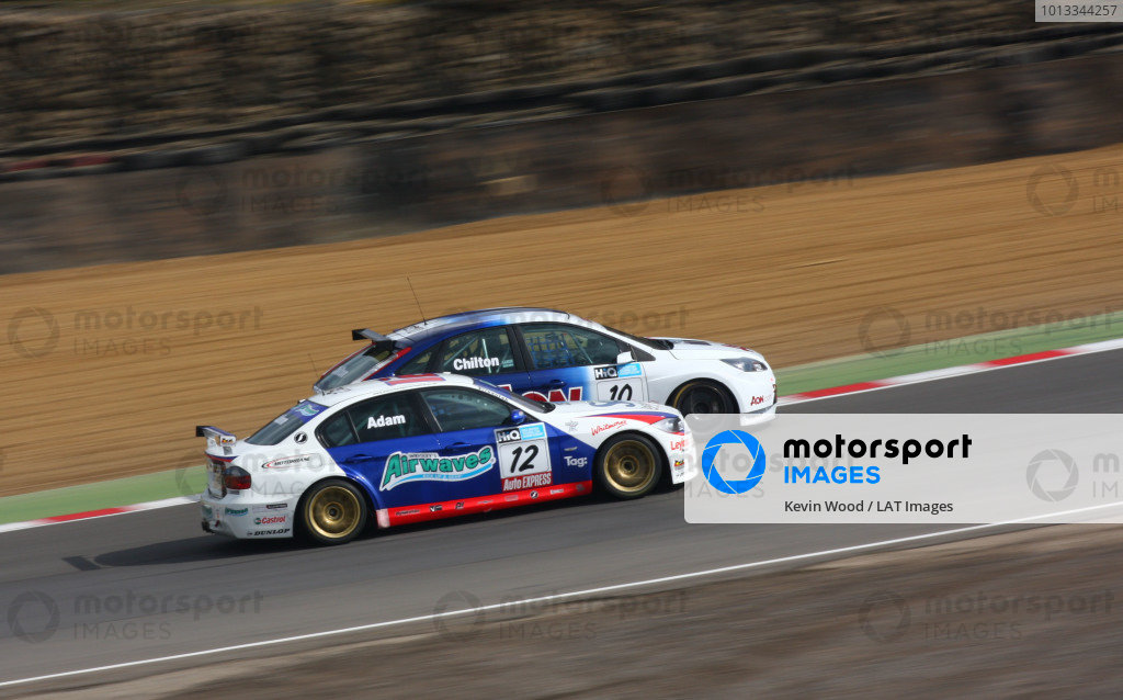 Brands Hatch, UK. 5th April 2009. Rds 1,2,3. Jonathan Adam, Motorbase BMW, and Tom Chilton, Ford, battle into druids. Action. World Copyright: Kevin Wood/LAT Photographic Ref: Digital Image IMG_8847a