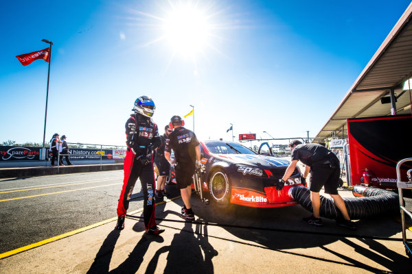 2017 Supercars Championship Round 8.  Ipswich SuperSprint, Queensland Raceway, Queensland, Australia. Friday 28th July to Sunday 30th July 2017. Scott Pye, Walkinshaw Racing.  World Copyright: Daniel Kalisz/ LAT Images Ref: Digital Image 280717_VASCR8_DKIMG_7495.jpg