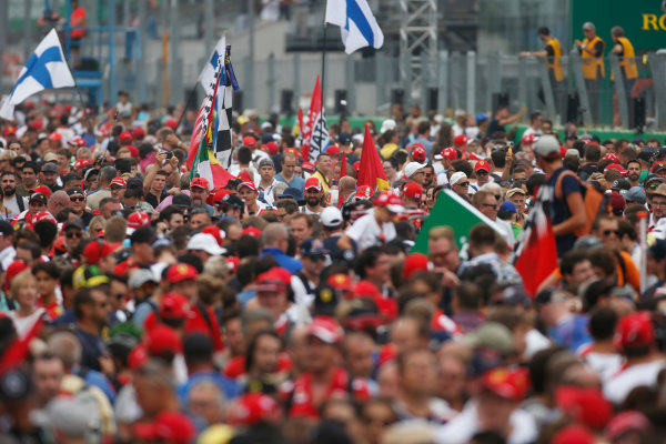 Autodromo Nazionale di Monza, Italy. Sunday 04 September 2016. Fans invade the track after the race. World Copyright: Sam Bloxham/LAT Photographic ref: Digital Image _SLA8819