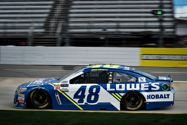 2017 Monster Energy NASCAR Cup Series STP 500 Martinsville Speedway, Martinsville, VA USA Friday 31 March 2017 Jimmie Johnson World Copyright: Scott R LePage/LAT Images ref: Digital Image lepage-170331-mv-0048