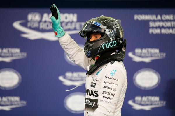 Yas Marina Circuit, Abu Dhabi, United Arab Emirates. Saturday 28 November 2015. Nico Rosberg, Mercedes AMG celebrates after taking Pole Position. World Copyright: Glenn Dunbar/LAT Photographic. ref: Digital Image _W2Q8815