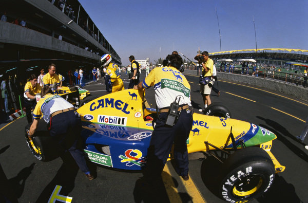 1992 Mexican Grand Prix. Mexico City, Mexico. 20th - 22nd March 1992. Michael Schumacher (Benetton B191B-Ford), 3rd position, pit lane action.  World Copyright: LAT Photographic.  Ref:  92 MEX 14.