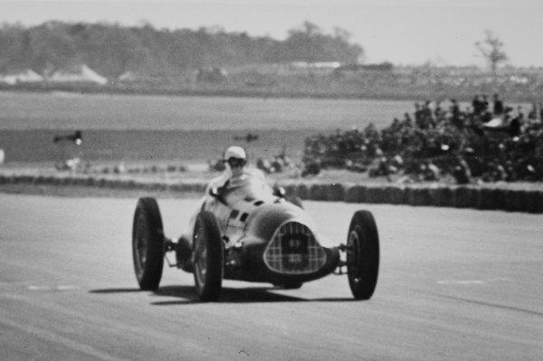 1950 British Grand Prix.Silverstone, Great Britain. 13 May 1950.Leslie Johnson (ERA E-type).World Copyright - LAT Photographic