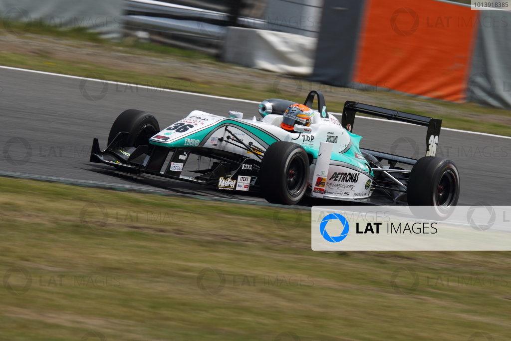 Suzuka, Japan. 13th - 14th April 2013. Rd 1. Race 2 Winner  Yuichi Nakayama ( #36 PETRONAS TEAM TOM'S ) action World Copyright: Yasushi Ishihara/LAT Photographic Ref: 2013_JF3_Rd1&2_014
