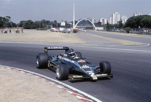 1979 Argentinian Grand Prix.Buenos Aires, Argentina.19-21 January 1979.Carlos Reutemann (Lotus 79 Ford) 2nd positionRef-79 ARG 03.World Copyright - LAT Photographic