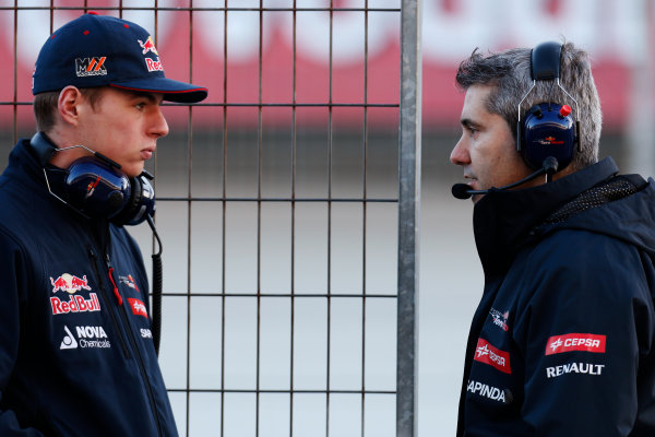 2015 F1 Pre Season Test 1 - Day 1 Circuito de Jerez, Jerez, Spain. Sunday 01 February 2015. Max Verstappen, Toro Rosso with Xevi Pujolar. World Copyright: Alastair Staley/LAT Photographic. ref: Digital Image _79P8493