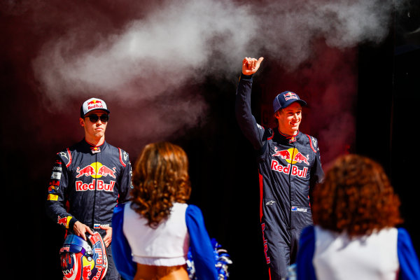 Circuit of the Americas, Austin, Texas, United States of America. Sunday 22 October 2017. Daniil Kvyat, Toro Rosso, and Brendon Hartley, Toro Rosso, in the drivers parade. World Copyright: Sam Bloxham/LAT Images  ref: Digital Image _W6I8137