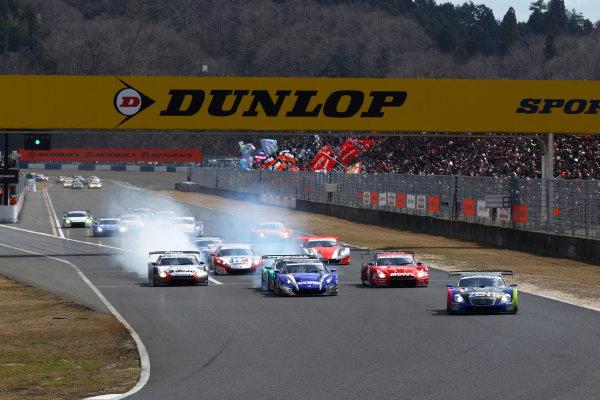 Okayama, Japan. 1st April 2012.GT500 - Start of the race action.World Copyright: Yasushi Ishihara/LAT Photographicref: Digital Image 2012SGT_R1_001