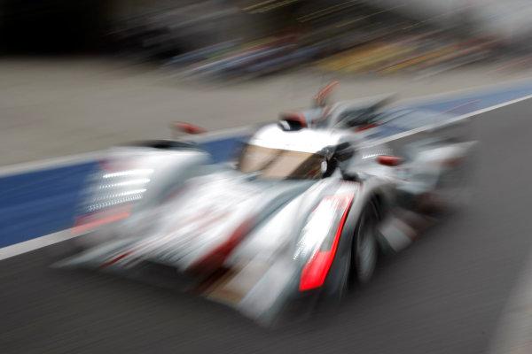 Shanghai, China. 25th - 27th October 2012. Andre Lotterer (DEU)/Benoit Treluyer (FRA)/Marcel Fassler (CHE) Audi Sport Team Joest Audi R18 e-tron quattro. World Copyright: Ebrey/LAT Photographic.