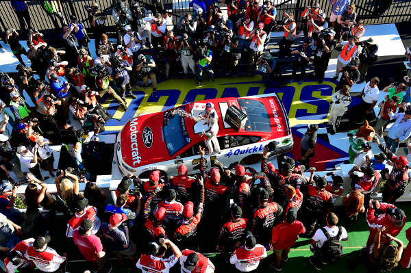 Monster Energy NASCAR Cup Series AXALTA presents the Pocono 400 Pocono Raceway, Long Pond, PA USA Sunday 11 June 2017 Ryan Blaney, Wood Brothers Racing, Motorcraft/Quick Lane Tire & Auto Center Ford Fusion wins. World Copyright: Rusty Jarrett LAT Images ref: Digital Image 17POC1rj_3622