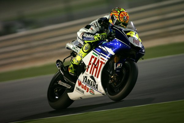 2008 MotoGP. Losail, Qatar. 7th - 9th March 2008. Rd 1. Valentino Rossi, Yamaha, 5th position, action. World Copyright: Martin Heath/LAT Photographic. Ref: Digital Image Only.