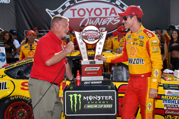 Monster Energy NASCAR Cup Series Toyota Owners 400 Richmond International Raceway, Richmond, VA USA Sunday 30 April 2017 Joey Logano, Team Penske, Shell Pennzoil Ford Fusion wins. World Copyright: Rusty Jarrett LAT Images ref: Digital Image 17RIC1rj_4394