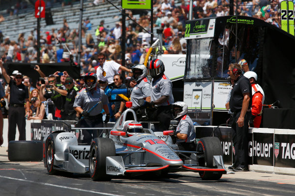 Verizon IndyCar Series Indianapolis 500 Carb Day Indianapolis Motor Speedway, Indianapolis, IN USA Friday 26 May 2017 Will Power, Team Penske Chevrolet and crew celebrate winning the Pit Stop Competition World Copyright: Phillip Abbott LAT Images ref: Digital Image abbott_indy_0517_26804