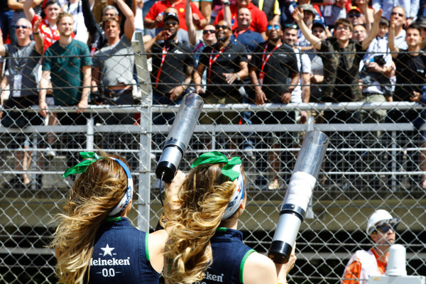 Circuit de Catalunya, Barcelona, Spain. Saturday 13 May 2017. Grid Girls fire teeshirt cannons in to the crowds. World Copyright: Steven Tee/LAT Images ref: Digital Image _O3I5055
