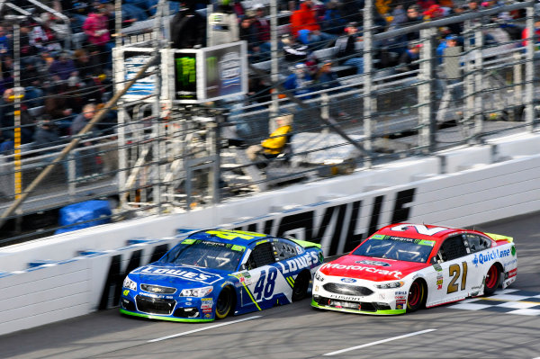 Monster Energy NASCAR Cup Series First Data 500 Martinsville Speedway, Martinsville VA USA Sunday 29 October 2017 Jimmie Johnson, Hendrick Motorsports, Lowe's Chevrolet SS and Ryan Blaney, Wood Brothers Racing, Motorcraft/Quick Lane Tire & Auto Center Ford Fusion World Copyright: Nigel Kinrade LAT Images