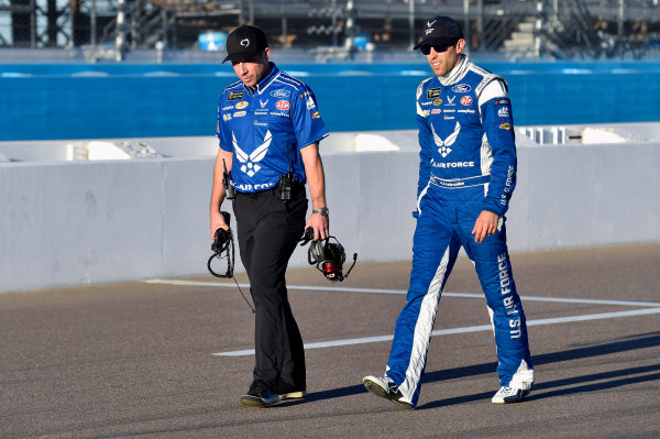 Monster Energy NASCAR Cup Series Can-Am 500 Phoenix Raceway, Avondale, AZ USA Friday 10 November 2017 Aric Almirola, Richard Petty Motorsports, United States Air Force Ford Fusion and Drew Blickensderfer World Copyright: Nigel Kinrade LAT Images