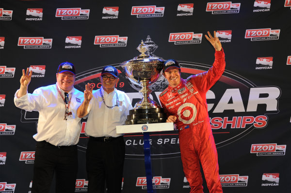 Scott Dixon (NZL) Target Chip Ganassi Racing celebrates clinching the 2013 Indycar Series Championship with Chip Ganassi. Izod Indycar Series, Rd16, MAVTV American Real 500, Fontana, USA, 18-19 October 2013.