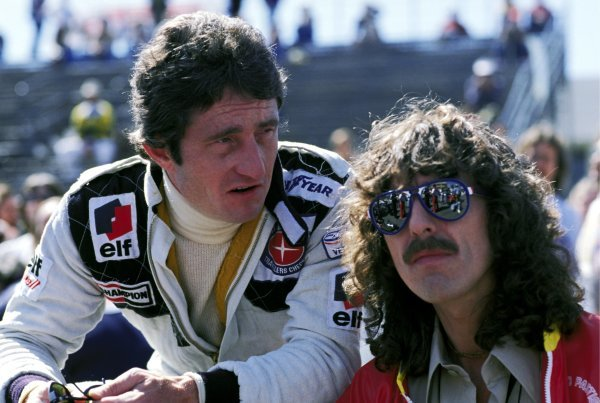 (L to R): Third placed Patrick Depailler (FRA) Tyrrell talks with George Harrison (GBR) former Beatle and F1 fan. United States Grand Prix (West), Rd 4, Long Beach, USA, 2 April 1978.