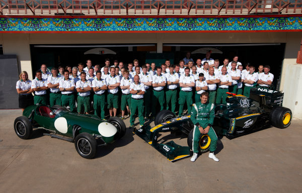 Valencia Street Circuit, Valencia, Spain 24th June 2010. The Lotus team commemorate the 500th race for the marque. Portrait.  World Copyright: Steve Etherington/LAT Photographic ref: Digital Image SNE25570