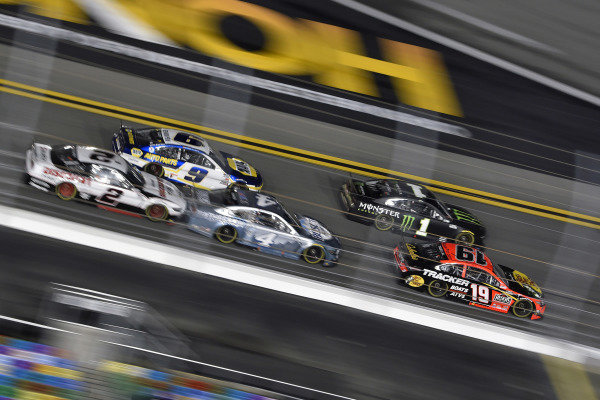 #19: Martin Truex Jr., Joe Gibbs Racing, Toyota Camry and #1: Kurt Busch, Chip Ganassi Racing, Chevrolet Camaro Monster Energy