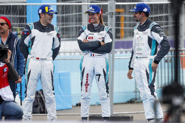 Yaqi Zhang (CHI), Team China, Célia Martin (FRA), Viessman Jaguar eTROPHY Team Germany, and Ahmed Bin Khanen (SAU), Saudi Racing