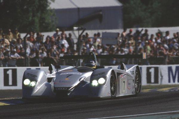 2000 Le Mans 24 Hours.Le Mans, France.17-18 June 2000.Christian Abt/Michele Alboreto/Rinaldo Capello (Audi R8), 3rd position.World - Bloxham/LAT Photographic