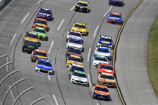 #22: Joey Logano, Team Penske, Ford Mustang Autotrader and #2: Brad Keselowski, Team Penske, Ford Mustang MoneyLion