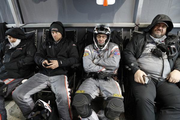 #7 Acura Team Penske Acura DPi, DPi: Helio Castroneves, Ricky Taylor, Alexander Rossi, crew