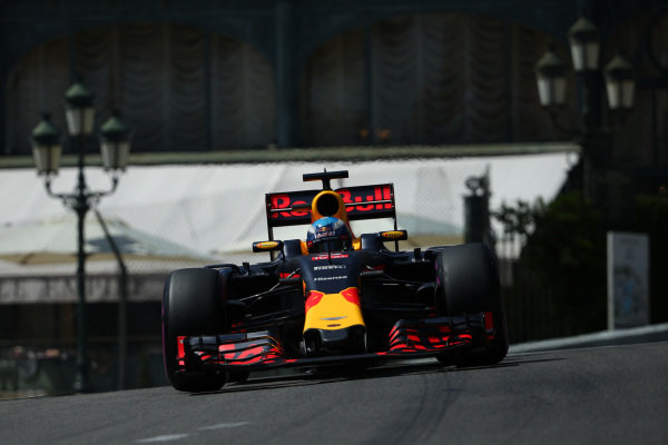Daniel Ricciardo (AUS) Red Bull Racing RB12 at Formula One World Championship, Rd6, Monaco Grand Prix, Qualifying, Monte-Carlo, Monaco, Saturday 28 May 2016.