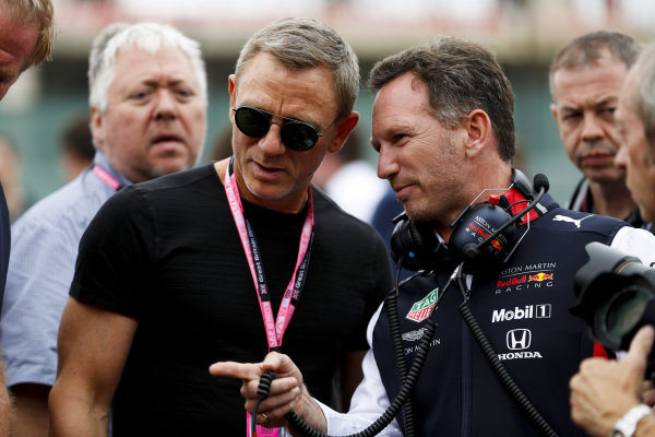 Daniel Craig, Actor and Christian Horner, Team Principal, Red Bull Racing on the grid
