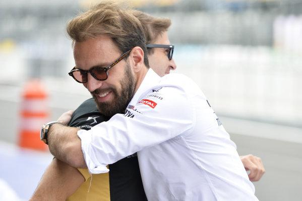 Jean-Eric Vergne (FRA), DS Techeetah hugs Antonio Felix da Costa (PRT), DS Techeetah