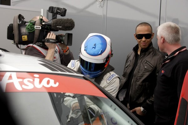 R-L: Lewis Hamilton (GBR), McLaren, and Nicolas Hamilton (GBR), Total Control Racing, who makes his Renault Clio Cup racing debut this weekend. Renault Clio Cup, Rd1, Brands Hatch, England, 2 April 2011.