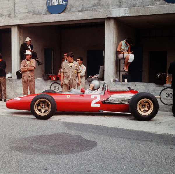 Monza, Italy. 2-4 September 1966.Lorenzo Bandini (Ferrari 312) in the pits.Ref-3/2348.World Copyright - LAT Photographic