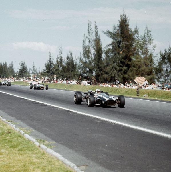 Mexico City, Mexico.21-23 October 1966.John Surtees (Cooper T81 Maserati) 1st position.Ref-3/2394.World Copyright - LAT Photographic