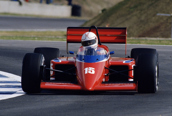 1986 Spanish Grand Prix. Jerez, Spain. 11-13 April 1986. Alan Jones (Team Haas/Lola THL1 Hart). Ref-86 ESP 55. World Copyright - LAT Photographic