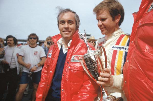 1974 IROC Series, Daytona, Florida, USA.February 1974.Mark Donohue and Roger Penske, portrait.World Copyright - Murenbeeld/LAT.