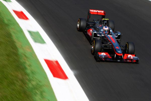 Autodromo Nazionale di Monza, Monza, Italy.9th September 2011.Jenson Button, McLaren MP4-26 Mercedes. Action.World Copyright: Glenn Dunbar/LAT Photographicref: Digital Image _G7C0837